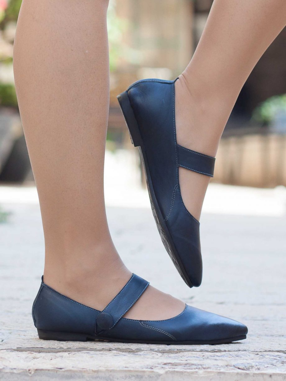 נעלי שפיץ מעור